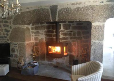 Cheminée suspendue dans une cheminée ancienne – Rodez